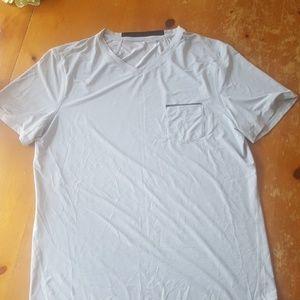 Men's large Lululemon running shirt. EUC